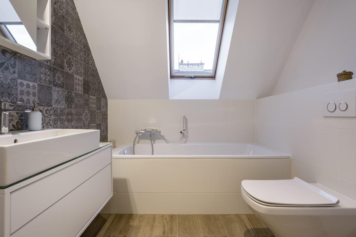 Kleine badkamer op zolder